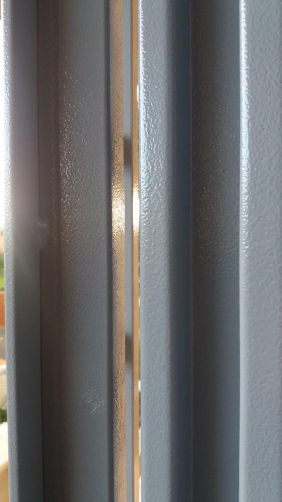 Grate persiane e scuri elementi di sicurezza finestre a roma grate e persiane porte - Finestre a bocca di lupo ...
